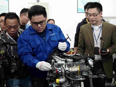 """超小排量将成未来汽车主流 上汽""""蓝芯""""16T动力总成解析"""
