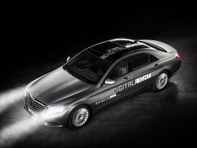 奔驰发布新数字照明技术 大灯可智能调整亮度