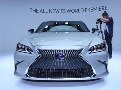 雷克萨斯新ES启动预售 共推8款车预售28.5万~47.4万元