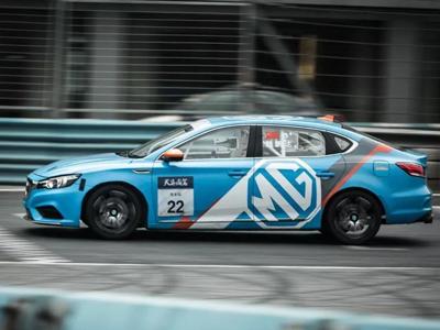 名爵6银石赛道版英国首秀吸引世界冠军车手亲自实测