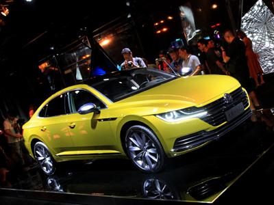 全新一代CC上市 售25.28万-30.98万  奥迪A4L车主围观