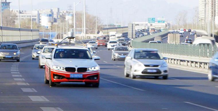 百度无人驾驶汽车在北京进行自动驾驶测跑