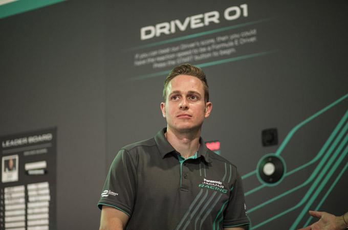 捷豹车队Formula E第三赛季主力车手Adam Carroll