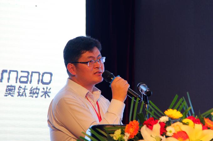国家客车质量监督检验中心新能源汽车中心副总工程师叶磊发表演讲