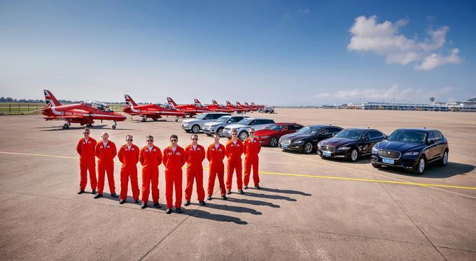 """英国皇家空军""""红箭""""特技飞行表演队将现身珠海,参加第11届中国国际航空航天博览会"""