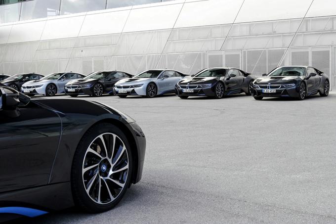 全球最成功的插电式混合动力跑车BMW i8